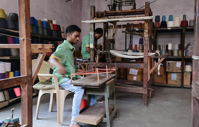 Handloom weaving at our linen manufacturer in India